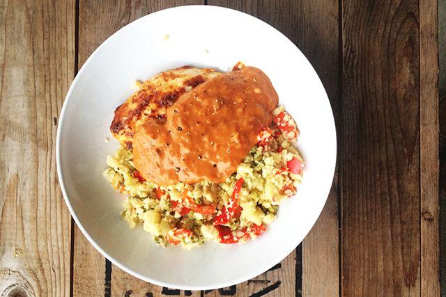 Wist jij dat je met bloemkool couscous kunt maken? Hier vind je een heel divers kip Tandoori recept met couscous van bloemkool.