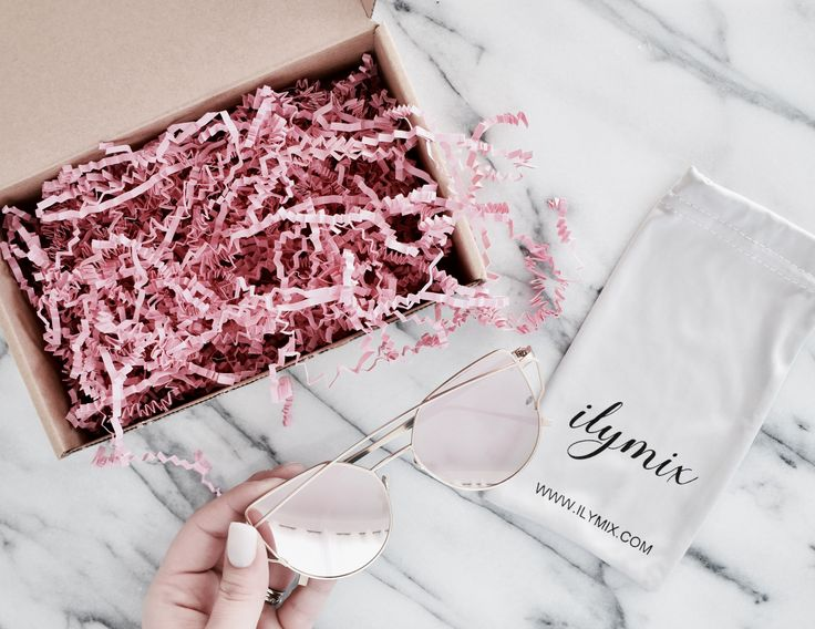 Needing a new pair of sunnies? Enter my giveaway for a chance to win a pair of these pretty pink sunglasses!