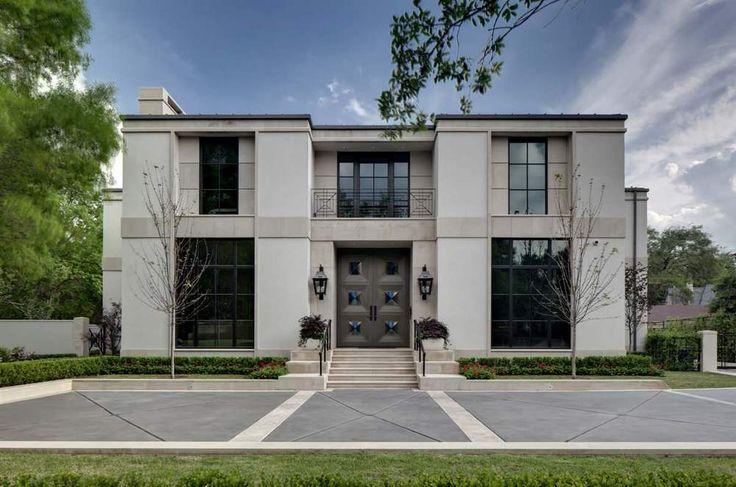 Современный двухэтажный дом с роскошными деталями