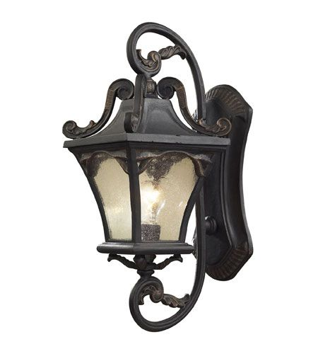 15 best Traditional Outdoor Fixtures Installed by Dallas Landscape