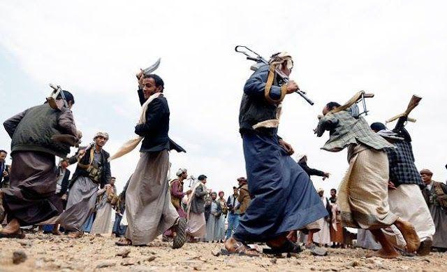 Houthi hukum mati wartawan  ilustrasi pasukan Yaman di Sanaa Yaman (Arab News)  Sebuah pengadilan pemberontak di ibukota Yaman Sana'a menghukum mati seorang mantan reporter karena dituduh sebagai mata-mata Saudi menurut media Houthi dan asosiasi wartawan (YJS). Dilansir dari media Saba Yahya Abdulraqeeb Al-Jubaihi dituduh memiliki kontak dengan Kedutaan Besar Saudi di Sana'a dan mengirim laporan tentang kondisi militer ekonomi dan politik Houthi sedang terancam. Al-Jubaihi ditangkap pada…