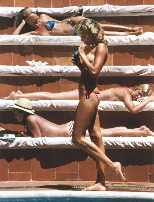 Catherine Wilke, Capri, 1980. Photograph by : Slim Aarons.