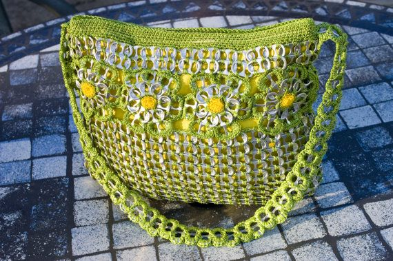 Upcycled Citrus Green with Gold Crochet Pop Tab Purse door Flor7