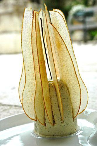 appetizing architecture - food styling - recipe - dessert - pear - tarts