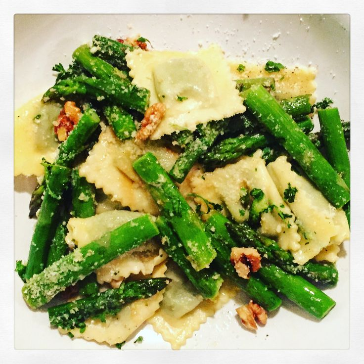 Ravioli with Sautéed Asparagus, Walnuts & Lemon Butter Sauce - One of the first recipes I tried last year when I decided to learn how to cook, which is now a classic I make at least once a month! It's ready in 15 min (preparation & cooking time!) and it's special enough your guests will be impressed... From The Beginner's Cookbook blog