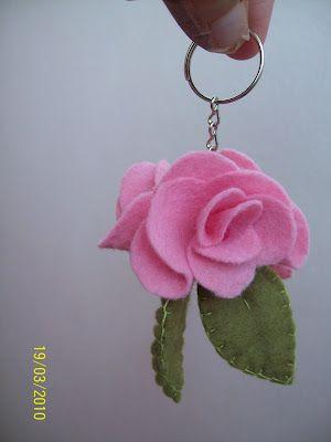 Gata Bacana: Chaveiro de rosa de Feltro Passo a Passo