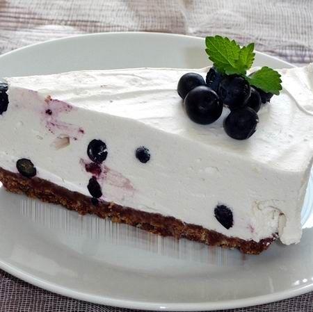 Egy finom Áfonyás joghurttorta ebédre vagy vacsorára? Áfonyás joghurttorta Receptek a Mindmegette.hu Recept gyűjteményében!