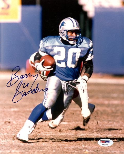 This is a 8x10 Photo that has been hand signed by Barry Sanders. This is a vintage rookie era signature. It has been certified authentic by PSA/DNA and comes with their sticker and matching certificat