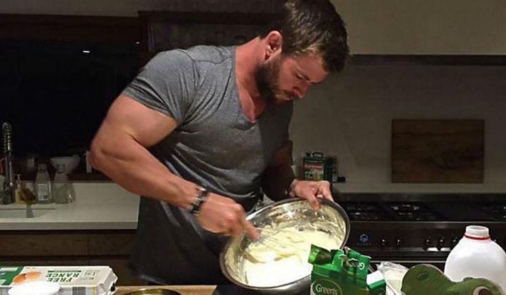 Chris Hemsworth hizo milagros como pastelero