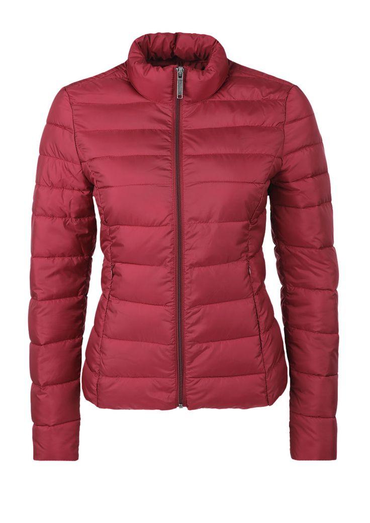 Extra leichte Steppjacke von s.Oliver. Entdecken Sie jetzt topaktuelle Mode für Damen, Herren und Kinder online und bestellen Sie versandkostenfrei.