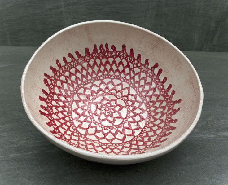 Czerwone koronki, miseczka, miska, ceramika, rękodzieło, prezent, hand made