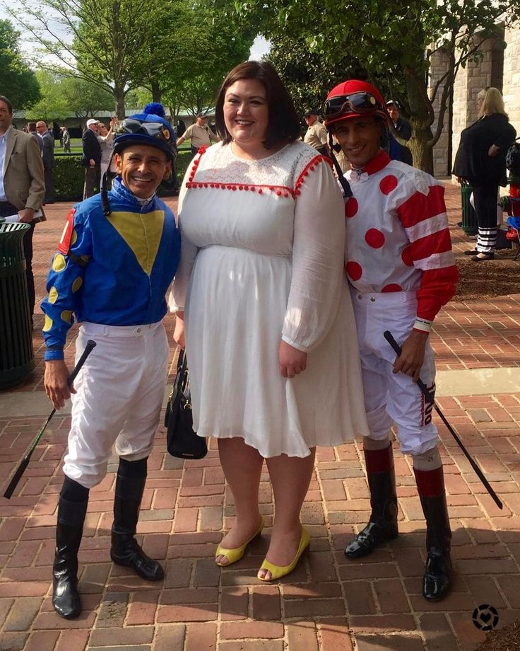 #tbt to last week at @keeneland with Mike Smith and John Velazquez! Catch my recap and many more photos at authenticallyemmie.com. #ilovekeeneland . Shop the #pompom dress here http://emmie.me/2pEexH9 or take a screenshot and use the @liketoknow.it app. #liketkit #xoq #sharethelex