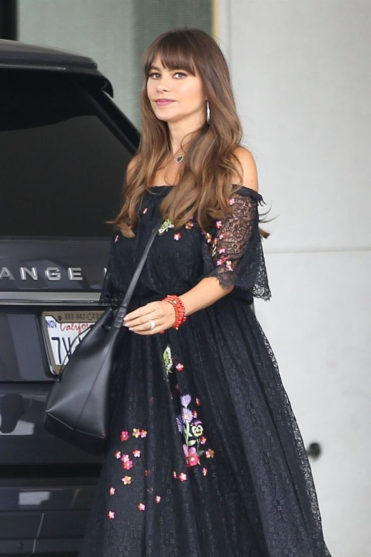 Paparazzi : SOFIA VERGARA Shopping à Saks Fifth Avenue à Beverly Hills 08/03/2017