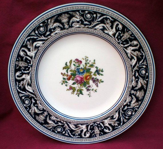 THE FLOWER GIRL Wedgwood Collectors Plate YESTERDAYS CHILD