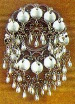 rich silver solje: Norsk Mats, Solj Norway, Norwegian National Costume, Things Norway, Norwegian Heritage, Bunad Traditional, Norwegian Art, Norsk Heritage, Norway Anything Scandinavian