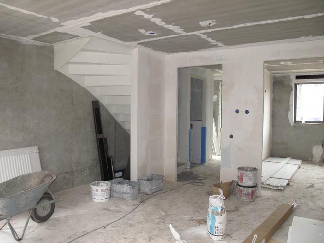 Trap In Woonkamer : Kast onder dichte trap maken trap in woonkamer in kast