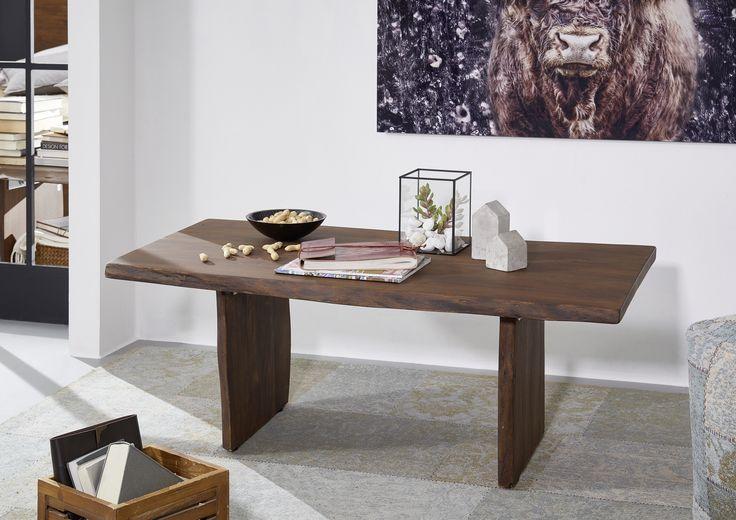 BaumtischausAkazienholzmit Naturkantenoptik. LIVE EDGE bietet einzigartige#möbelstückeals Blickfänger für Ihr#wohnzimmer.  #table #holz #akazie #esstisch #wohnzimmer #tischgestell #esszimmer #echtholz #massivholz