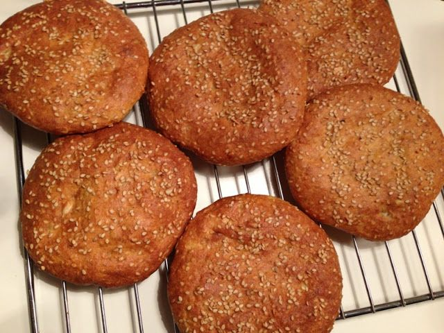 LCHF burger buns - the best (6 pcs.) 4 eggs 1 cup Greek yogurt, sour cream 1 cup sesame seeds ½ cup sunflower seeds ½ cup almond flour 2-3 tablespoons FiberHUSK 1 tablespoon Sukrin (optional) 2 tsp baking powder 2 teaspoons salt steps: 1) Stir all ingredients together. 2) Let the dough rest in about 10 min 3) Form six buns with wet hands, put them on a baking sheet lined with wax paper and flatten them. 4) Sprinkle the rolls with sesame seeds. 5) Bake the buns at 200 degrees for about 15…