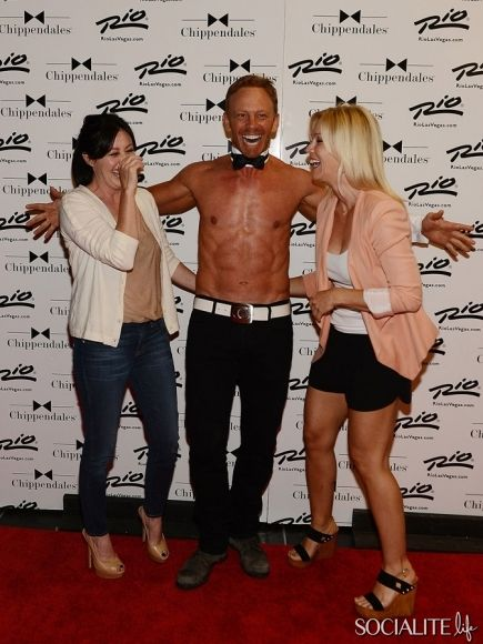 90210 reunion Shannen Doherty, Ian Ziering and Jennie Garth at CHIPPENDALES at Rio Hotel and Casino on June 30, 2013 in Las Vegas, Nevada.