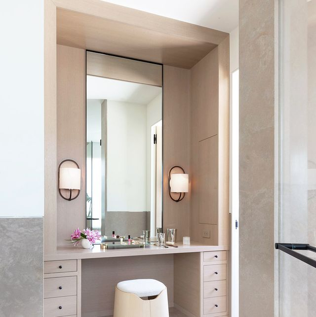 11 Makeup Vanity Ideas To Stay Organized And Get Ready In Style Beautiful Bathroom Vanity Bedroom Vanity Bedroom Makeup Vanity