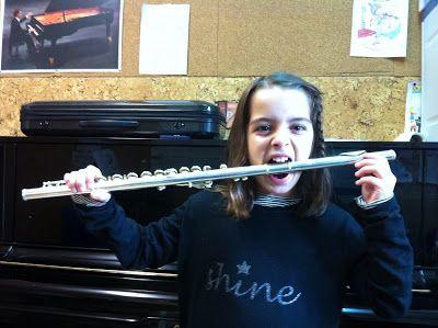 Flauta Travesera: Me encanta la flauta ¿y a ti?  Vanesa es muy diver...