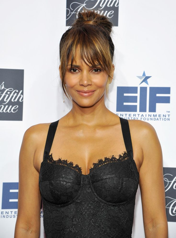Halle Berry - Celebrities Who Waited to Have Kids Later in Life - Photos