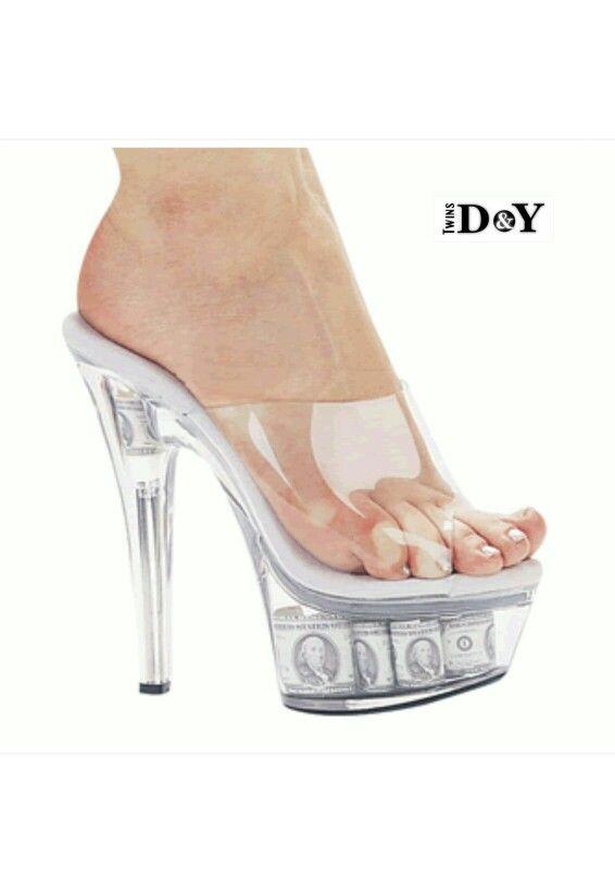 #lipstick #style #shoes #model #high_heel #كعب_عالي #كعب #شوز #جزم #صيحات_الموضة