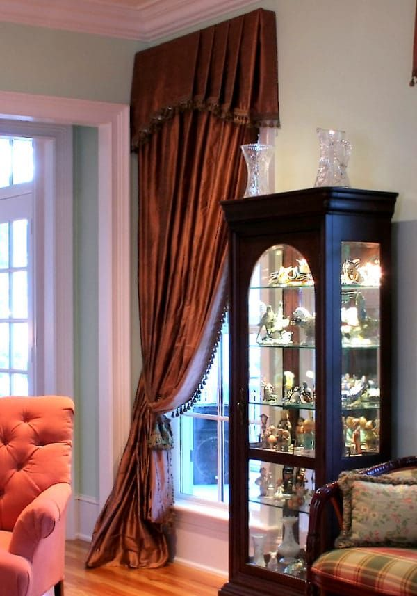 What Is The Difference Between Curtains And Draperies Valances