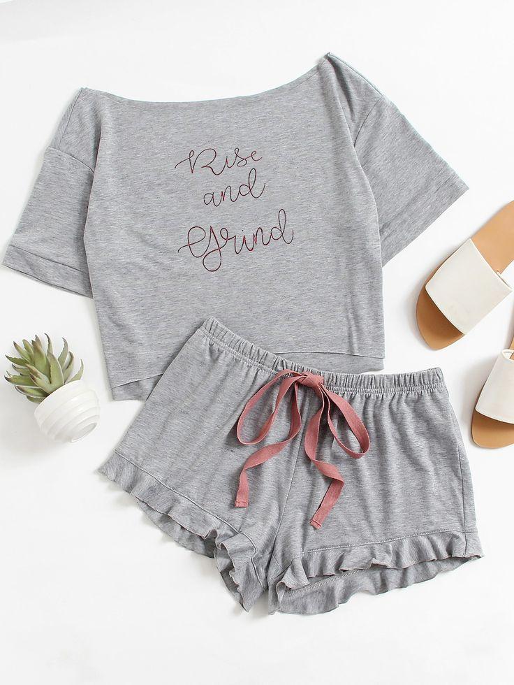 Модная пижама с оборкой