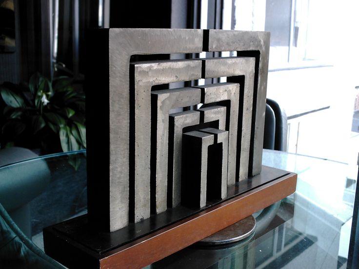Bernardo Salcedo Escultura Múltiple Hierro y madera 30 x 45 x 12 centìmetros