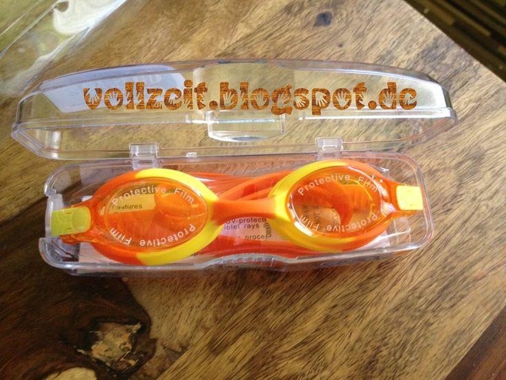 """Die Original #DoYourSwimming Qualitäts-Schwimmbrille  """"Picco""""  Kinder-Schwimmbrille   100% UV-Schutz  inklusiv  hochwertige Hart-Kunststoff-Designerbox für den sicheren und bequemen Transport  Farbe: orange/gelb"""