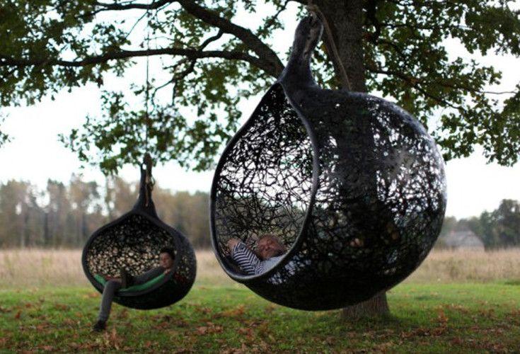 Gniazdo z lawy wulkanicznej Manu Nest King. Niezwykle wygodna huśtawka, została wykonana w 100% z naturalnych materiałów.