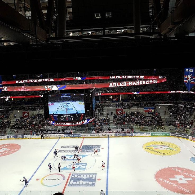 It's #Christmas - it's #hockey time!  @adlermannheim_official vs. #DEG! Auf geht's #Mannheim! #blauweißrot #DEL #Eishockey