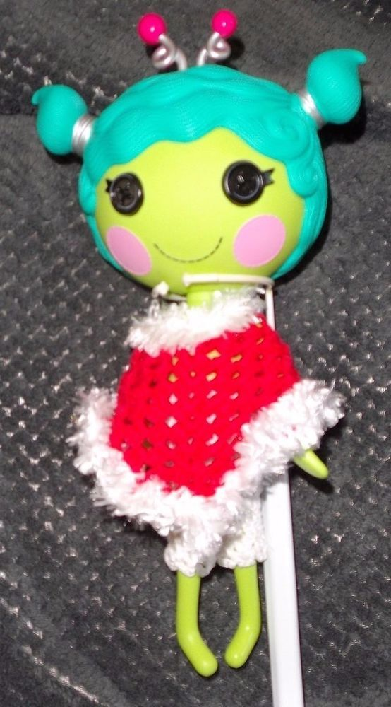 Lalaloopsy big sister crochet dolls red & white poncho and 3/4 white pants