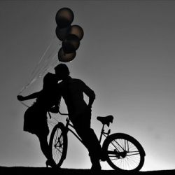 Cuuuuute...BALLOON silhouette @Rebecca Brethauer...this is soooo going to happen!!!!