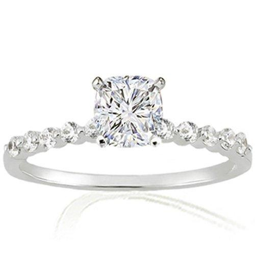 engagment rings - simple but gorgeous