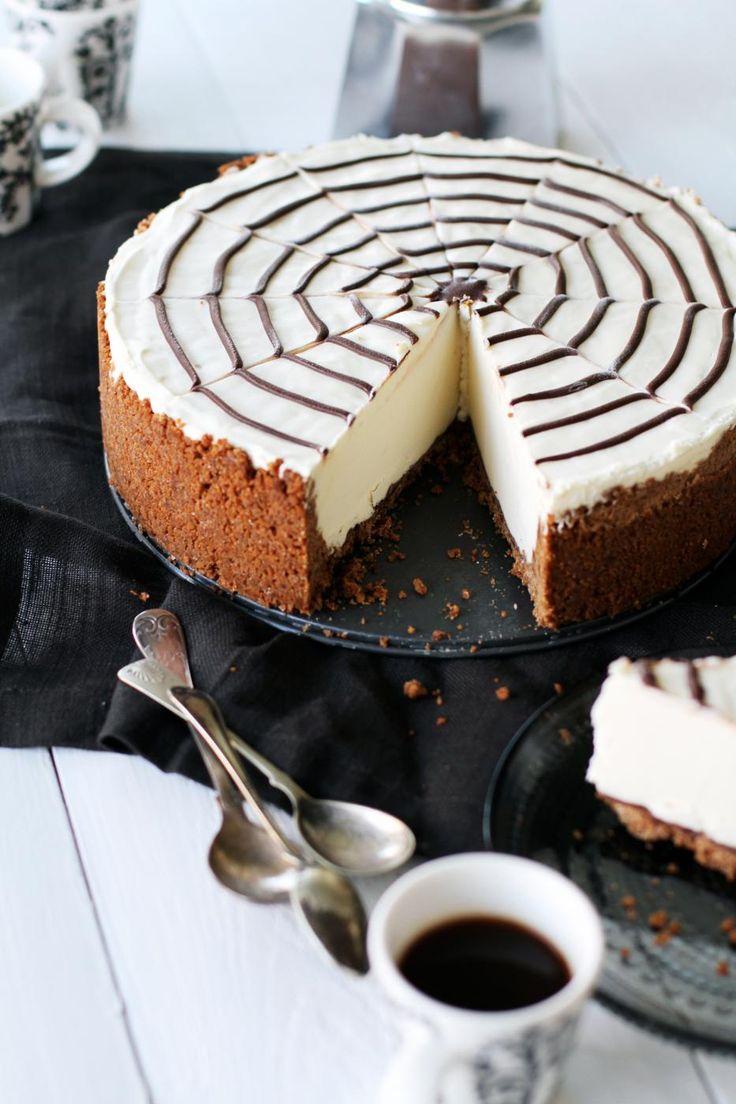 Halloween cheesecake inspired by Martha Stewart.