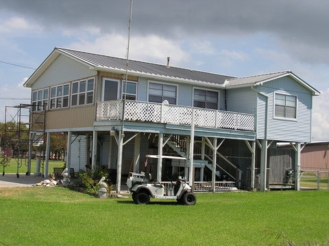 78 images about texas beach homes on pinterest floating for Coastal home builders texas