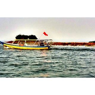1998 @hanifaassegaf Instagram profile - Pikore