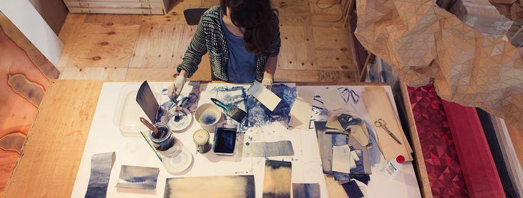 #trustthegirls: Innovativ, feinsinnig und formschön: Die Designerin Elisa Strozyk entlockt Materialien unverhoffte Eigenschaften und Funktionen und schafft dadurch sinnlich-poetische Objekte.