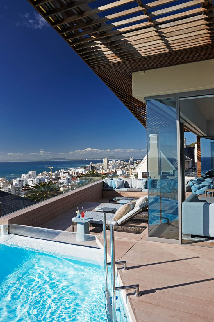 With elegantly furnished rooms, impeccable service catering to your every whim and an impressive private art collection, Ellerman House has always been one of our top picks in Cape Town. Timbuktu Travel