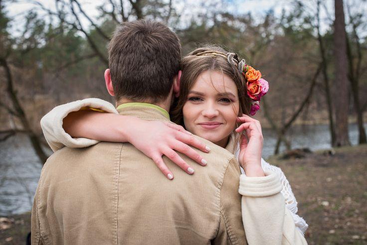 Bride | Wedding Planning, Ideas & Etiquette | Bridal wreath | Wedding photo| Wedding dress | Wedding photoshoot | Groom | Idea of wed photo | Perfect couple | Wedding day