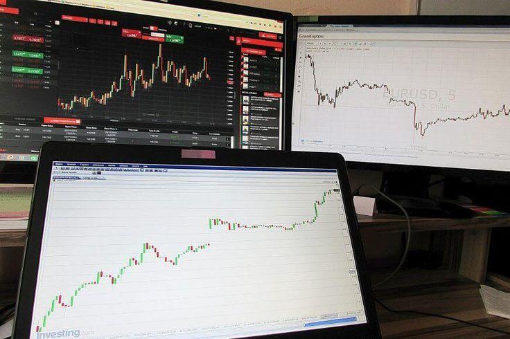 Komentarz walutowy: dolar, euro, funt - 10.03.2017 -  USDPLN Czwartek był kolejnym dniem, kiedy kurs dolara znajdował się w konsolidacji pomiędzy 4,07 – 4,0950. Górne ograniczenie kanału pierwszy raz zostało przetestowane 21 lutego i od tego czasu popyt nie ma siły, by pokonać granicę 4,10. W piątek poznamy rządowy raport z rynku pracy tzw.... https://ceo.com.pl/komentarz-walutowy-dolar-euro-funt-10-03-2017