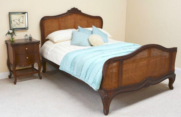 Elegance Rattan Bed B005