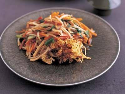 五十嵐 美幸 さんの中華めんを使った「あんかけ焼きそば」。シャキシャキの野菜が入ったあんと、カリカリの香ばしいめん。家庭でできる、プロの味です。 NHK「きょうの料理」で放送された料理レシピや献立が満載。