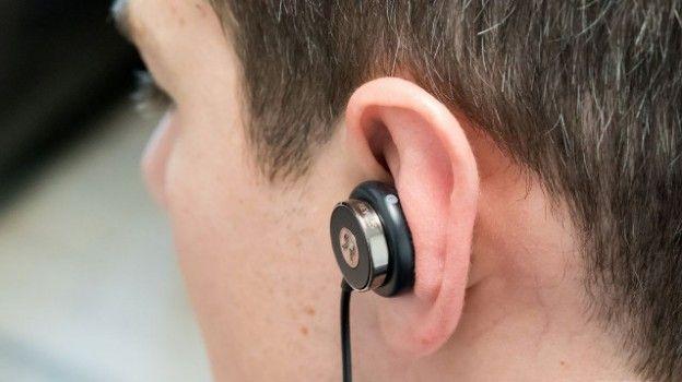 Una campagna di crowfounding su Kickstarter mette in vetrina un'interessante creazione di un team canadese, gli auricolari Revols che promettono di adattarsi, sempre, a qualsiasi orecchio per offrire un audio puro e senza rumori di fondo