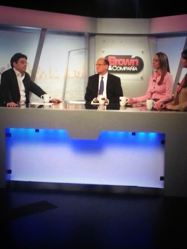 Grabando el programa Brown & Compañía de canal @MundoFOX en Miami. @PachoSantosC