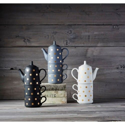 These teapot and cup sets are simply gorgeous!
