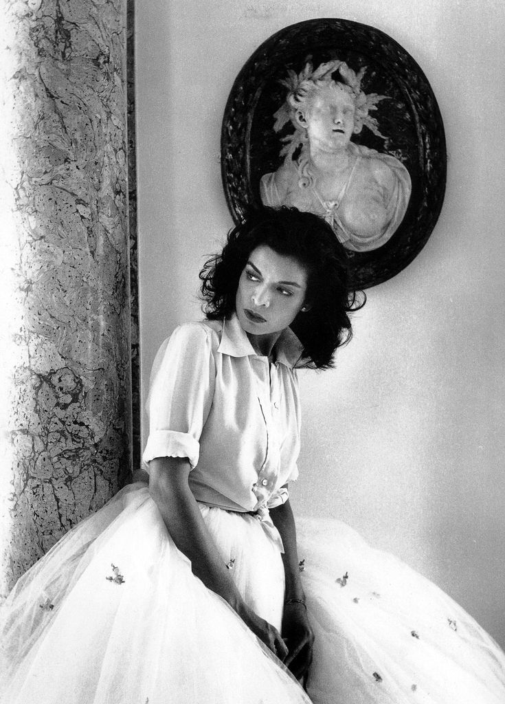 before sharon stone rocked the red carpet in a ball skirt & gap T...and waaaay before jenna lyons paired a jean jacket with a fuschia evening skirt, there was Bianca Jagger © Cecil Beaton