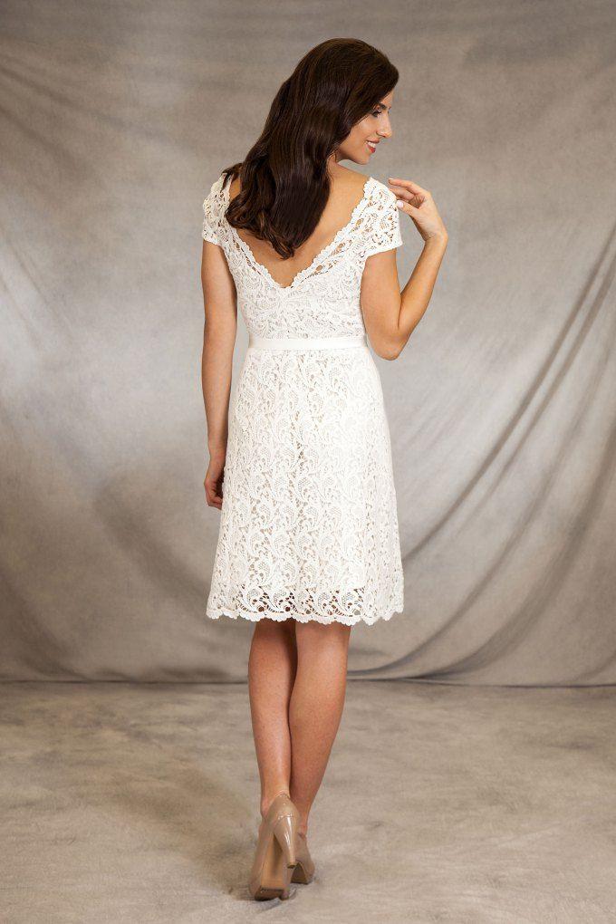 Die besten 17 ideen zu hochzeitskleider mit ausgestelltem for Brautkleid bonprix